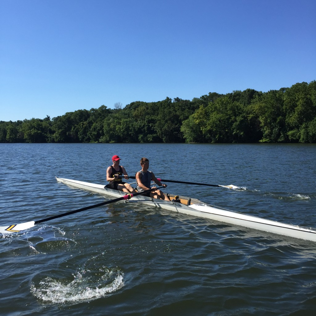 Undine Junior Men practicing in the pair