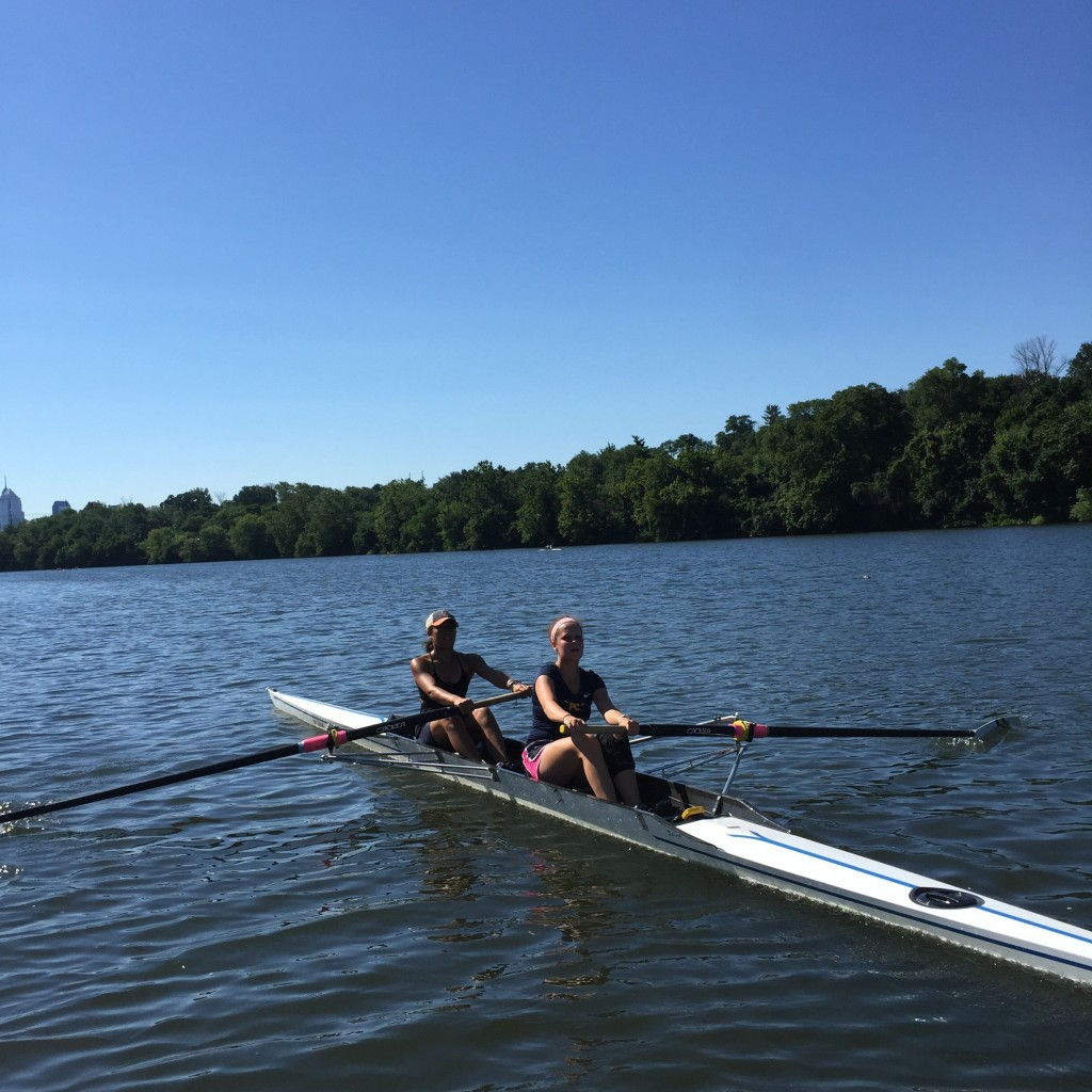 Undine Junior Women practicing in the pair
